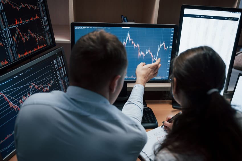 team-of-stockbrokers